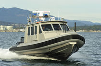 patrol-boat : rigid inflatable boat (outboard, twin engine, with enclosed cockpit) TITAN 290 Titan