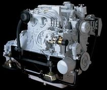 pleasure boat engine : in-board diesel engine 40 - 50 hp (indirect injection, natural aspiration) P4-42-03 (42 hp @ 2800 rpm) Phasor Marine