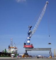 port crane: luffing jib crane (rail mounted) LPS Liebherr-International Deutschland