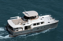 power catamaran : flybridge trawler 50' BambaYachts