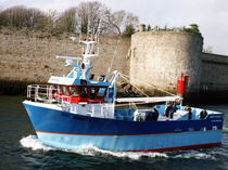 professional fishing-boat : tuna seiner 17M Chantiers Piriou