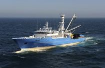 professional fishing-vessel : tuna seiner (shipyard) 90M Chantiers Piriou