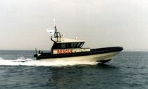 rescue boat : rigid inflatable boat (in-board, hydrojet, with enclosed cockpit) 11.00 WJ Ufast