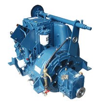 sailboat engine : in-board diesel engine 30 - 40 hp (direct injection, natural aspiration) TR (34 HP @ 1500 -> 2500 RPM ) Lister Petter