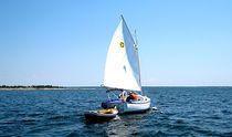 sailboat : classic day-sailer (with cabin, cat boat) SUN CAT Com-Pac Yachts