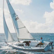 sailboat : day-sailer (with cabin) 22 CAPRI  Catalina Yachts