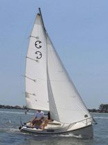 sailboat : day-sailer (with cabin) COM PAC LEGACY Com-Pac Yachts