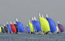 sailboat : racing keelboat (one-design, lifting keel, bow-sprit) OPEN 5.70 Philéas Boats