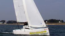 sailboat : racing keelboat (with cabin, bow-sprit) MINIBEE BARRAMUNDI BOATYARD