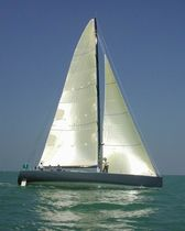 sailboat : racing sailing-yacht (in carbon, canting keel) SOLUNE Décision