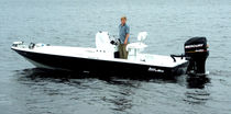 sport-fishing boat : bay boat (center console) BACK WATER 22' Lake and Bay