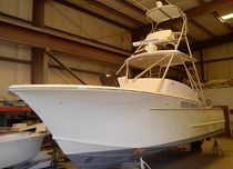 sport-fishing boat : in-board center console boat (T-Top, flybridge) 29′ EXPRESS TD Calyber Boatworks