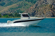 sport-fishing boat : outboard cabin-cruiser 725  TOP FISHING Cantiere Eolo