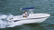 sport-fishing boat : outboard center console boat (twin engine, T-Top) 2400CC Sea Chaser