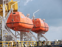 totally enclosed lifeboat for ships  Vanguard Composite Engineering PTE LTD.