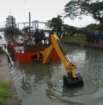 workboat : dredger Backhoe  CD240 Navgathi Marine Design & Constructions
