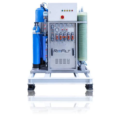 ship watermaker / for yachts / reverse osmosis / compact