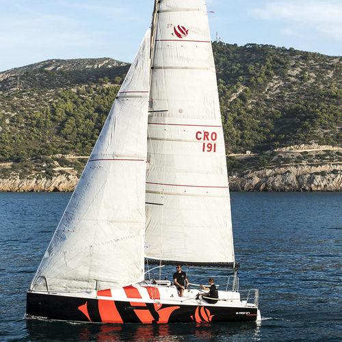 monohull / cruising-racing / open transom / twin rudders
