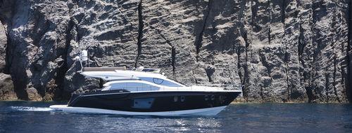 High-speed motor yacht / flybridge / IPS POD / planing hull FLY 54 Sessa Marine