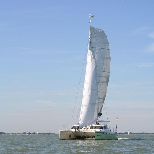 sailing catamaran / cruising / open transom / 2-cabin