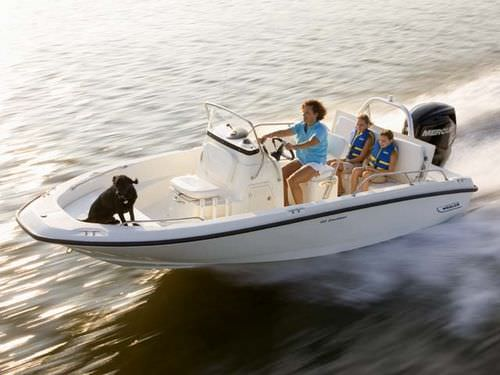 outboard center console boat / center console / sport-fishing / 8-person max.