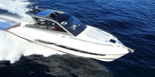 cruising motor yacht / hard-top / IPS / planing hull
