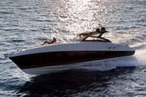 inboard express cruiser / twin-engine / open / IPS