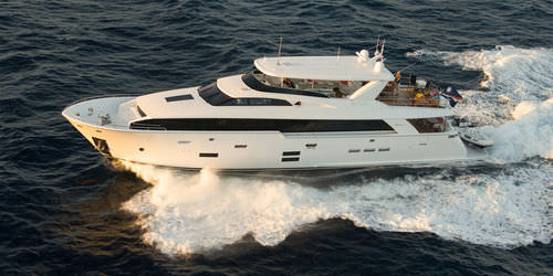 cruising super-yacht / raised pilothouse / flybridge / composite