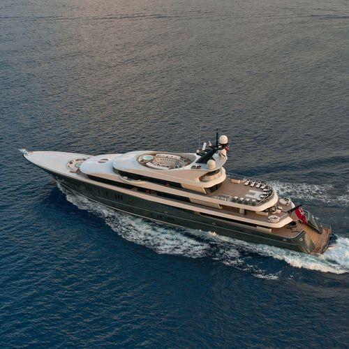 cruising mega-yacht - Lurssen Yachts
