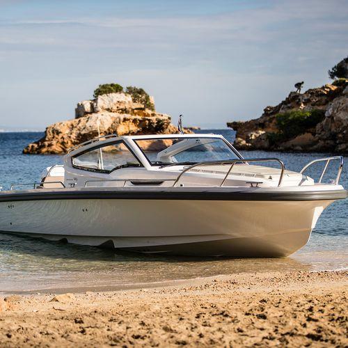 inboard cabin cruiser / outboard / open / 4-berth