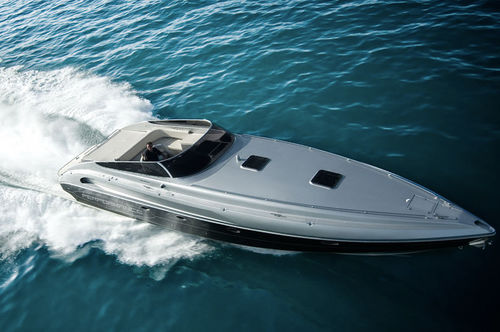 Inboard express cruiser / offshore / 12-person max. / 6-berth 1501 Performance Marine