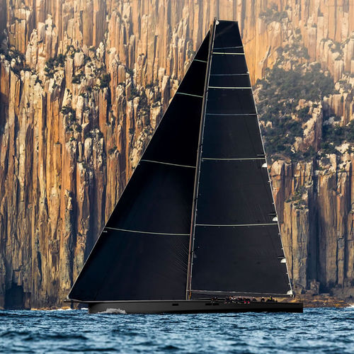 racing sailing super-yacht / open transom
