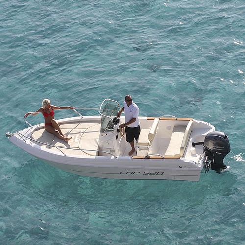 outboard center console boat / open / center console / 6-person max.