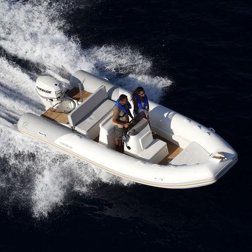 Outboard inflatable boat / semi-rigid / side console / sport Medline 580 ZODIAC