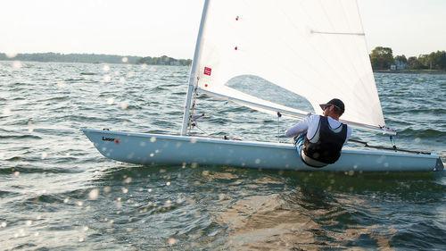 single-handed sailing dinghy / regatta / Laser