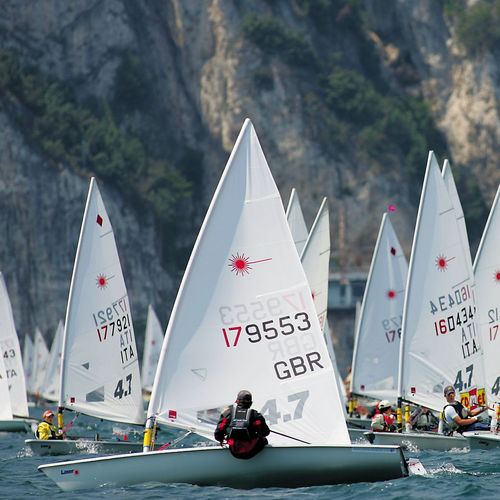 single-handed sailing dinghy / regatta / Laser 4.7