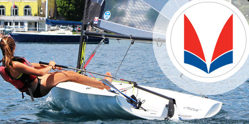 single-handed sailing dinghy / regatta