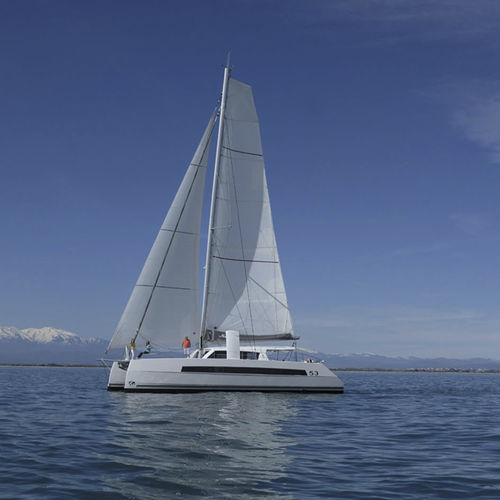 catamaran / ocean cruising / open transom / with 3 or 4 cabins