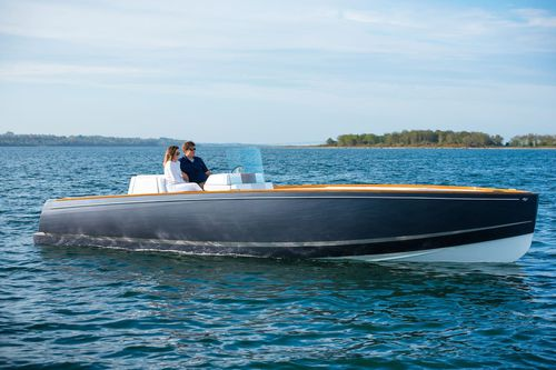 inboard center console boat / electric / center console / open