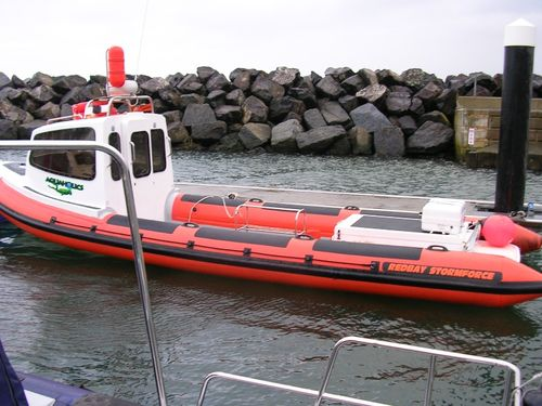 Inboard logistics transport boat / inflatable boat / semi-rigid / with enclosed cockpit 8.4 CABIN Red Bay