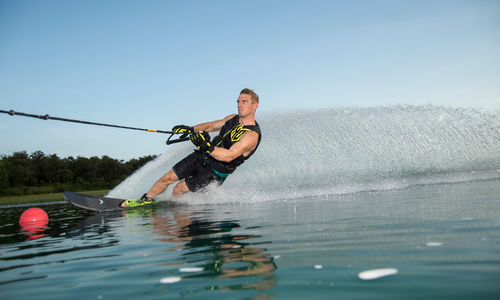 crossover water ski