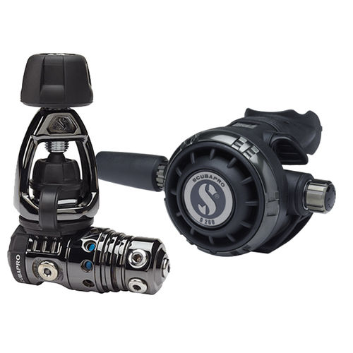 first and second stage scuba regulator / for cold water / piston