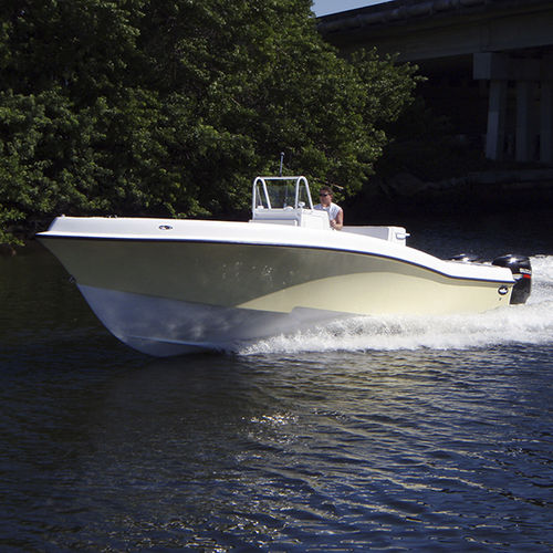 Outboard center console boat / twin-engine / sport-fishing / with T-top 33 CUDDY Dusky Marine