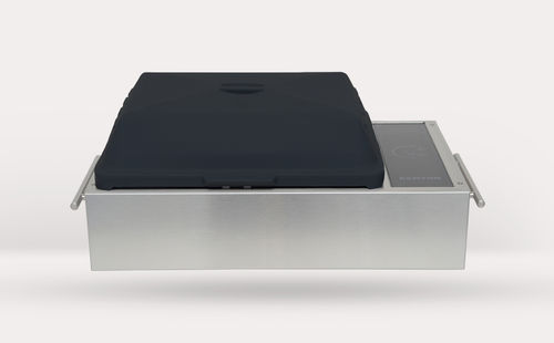 Electric marine barbecue / portable SilKEN® Portable Grill Kenyon International, Inc.