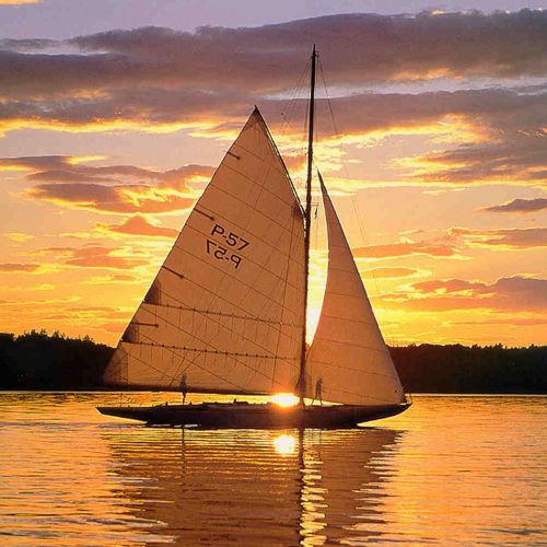 Classic sailboat sail Neilpryde Sails