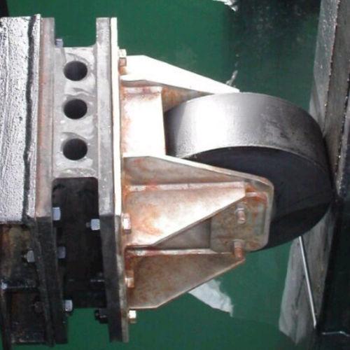 harbor fender / pier / wheel