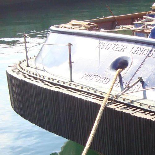 Tugboat fender / bow / W-shaped W Trelleborg Marine Systems