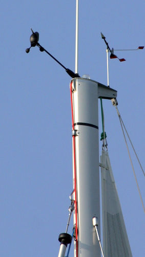sailboat mast / aluminum