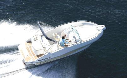 inboard cabin cruiser / open / 6-person max. / twin-berth