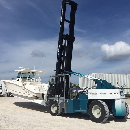 Shipyard forklift Hydro M_Drive Series Marine Travelift, Inc.